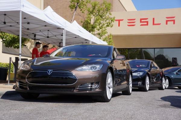 Tesla Model S Tour