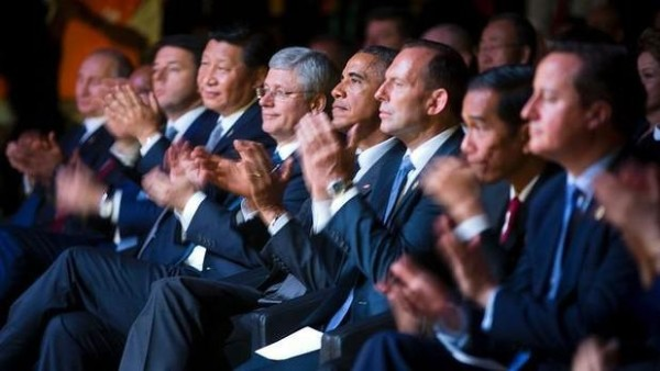 image of G20 leaders watching a cultural performance of indigenous dancers that summit in Brisbane